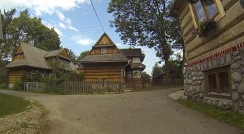 Dörfer mit Holzhäusern nahe Zakopane in Südpolen.